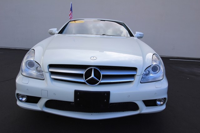 2010 Mercedes-Benz CLS550*AMG SPORT PKG* HARMON* NAVI* BACK UP*  COOL SEAT* LOW MILES* MOON* EVERY OPTION* WOW Las Vegas, Nevada 5