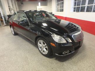 2010 Mercedes E350 4-Matic LUXURY MODEL. SHARP & CLEAN. LOW MILES! Saint Louis Park, MN