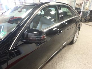 2010 Mercedes E350 4-Matic FULLY SERVICED, NEW BRAKES /TIRES/PLUGS & MORE! Saint Louis Park, MN 23