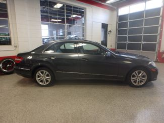 2010 Mercedes E350 4-Matic LUXURIOUS AND LOADED. DEAL OF THE YEAR Saint Louis Park, MN 12
