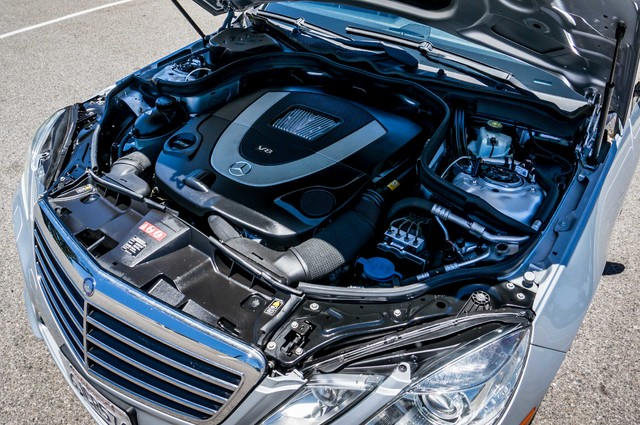 2010 Mercedes-Benz E 550 Luxury - P2 PKG - NAVI - HTD/CLD STS - XENON Reseda, CA 23