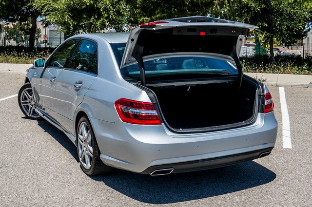 2010 Mercedes-Benz E 550 Luxury - P2 PKG - NAVI - HTD/CLD STS - XENON Reseda, CA 10