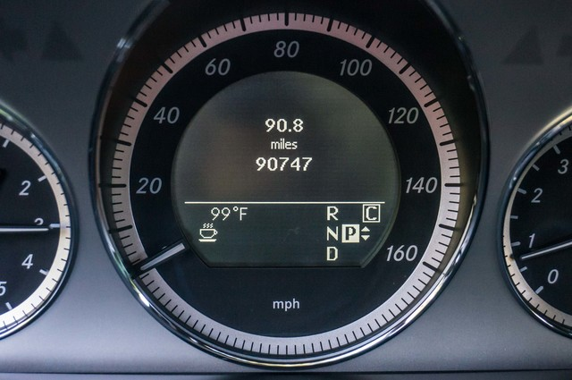 2010 Mercedes-Benz E 550 Luxury - P2 PKG - NAVI - HTD/CLD STS - XENON Reseda, CA 32