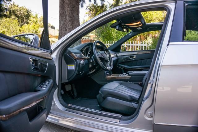 2010 Mercedes-Benz E 550 Luxury - P2 PKG - NAVI - HTD/CLD STS - XENON Reseda, CA 13