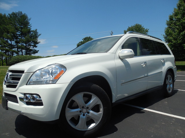 2010 Mercedes-Benz GL 450 4MATIC Leesburg, Virginia 0