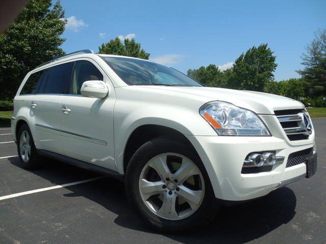 2010 Mercedes-Benz GL 450 4MATIC Leesburg, Virginia 1
