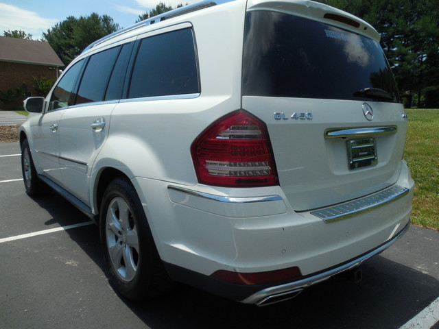 2010 Mercedes-Benz GL 450 4MATIC Leesburg, Virginia 3