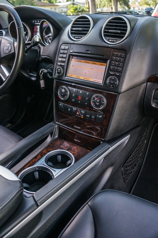 2010 Mercedes-Benz GL 450 P1 PKG - AUTO - NAVI - 104K MILES - 3RD ROW Reseda, CA 21