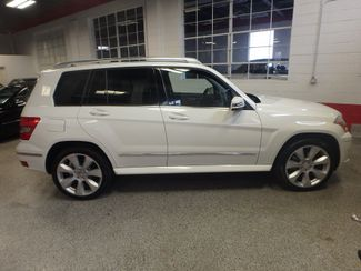 2010 Mercedes Glk350 4-MATIC. SERVICED AND INSPECTED. VERY CLEAN! Saint Louis Park, MN 1