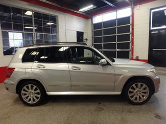 2010 Mercedes Glk 350 VERY SHARP,& CLEAN, AWD, WINTER READY! Saint Louis Park, MN 1