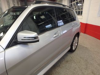 2010 Mercedes Glk 350 VERY SHARP,& CLEAN, AWD, WINTER READY! Saint Louis Park, MN 20