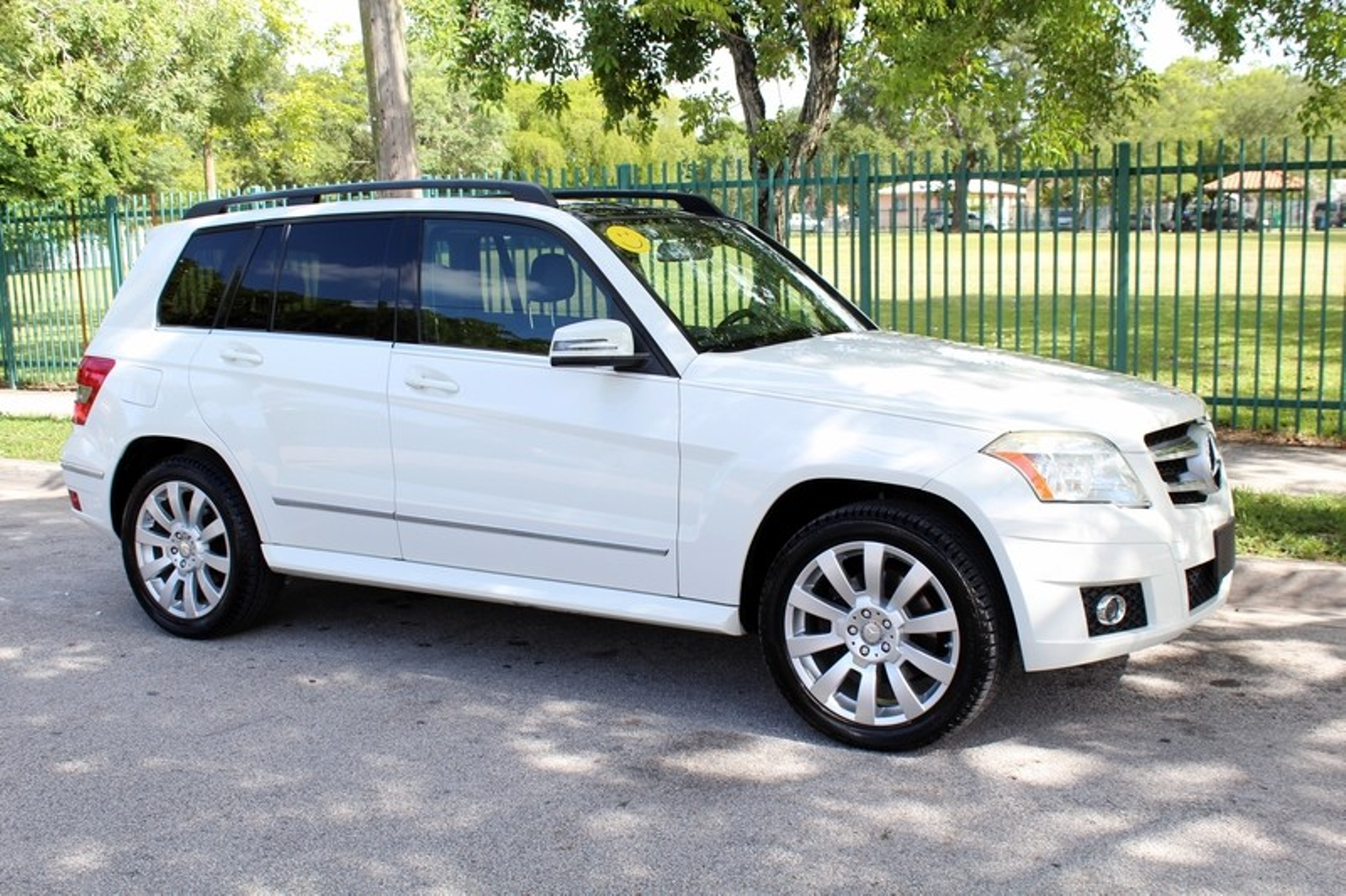 2010 mercedes benz glk350 350 4matic city florida the for Mercedes benz sanford fl