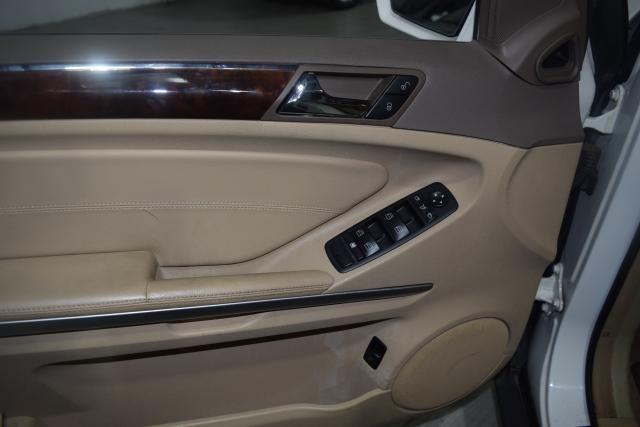 2010 Mercedes-Benz ML350 4 dr SUV Richmond Hill, New York 13