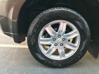 2010 Mitsubishi Endeavor LS Knoxville , Tennessee 10