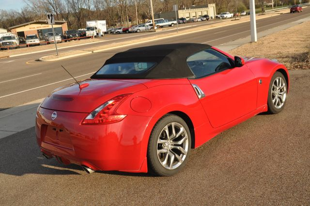 2010 Nissan 370Z Touring Collierville, Tennessee 3