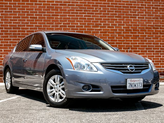 2010 Nissan Altima Hybrid Burbank, CA 1