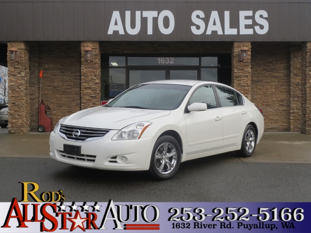 2010 Nissan Altima 25 S The CARFAX Buy Back Guarantee that comes with this vehicle means that you