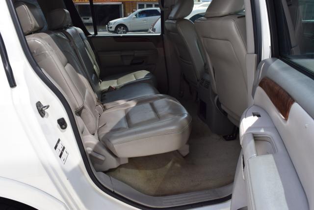 2010 Nissan Armada Platinum Richmond Hill, New York 34