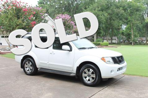 2010 Nissan Pathfinder SE 7 Passenger  in Marion, Arkansas