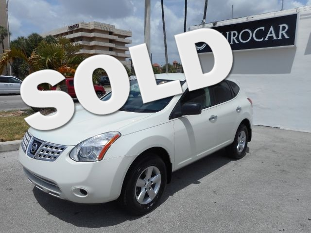2010 Nissan Rogue S This 2010 NISSAN ROUGE is a non-smoker florida sporty car and is CARFAX ce