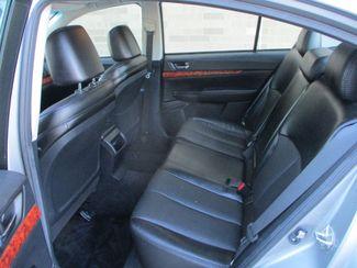2010 Subaru Legacy Limited Pwr Moon Farmington, Minnesota 3