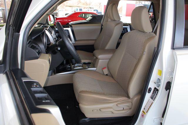 2010 Toyota 4Runner SR5 4WD - SUNROOF! Mooresville , NC 7