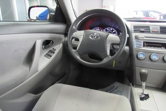 2010 Toyota Camry LE Chicago, Illinois 17