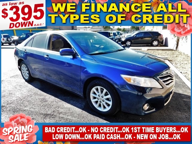 2010 TOYOTA CAMRY XLE Limited warranty included to assure your worry-free purchase AutoCheck repo