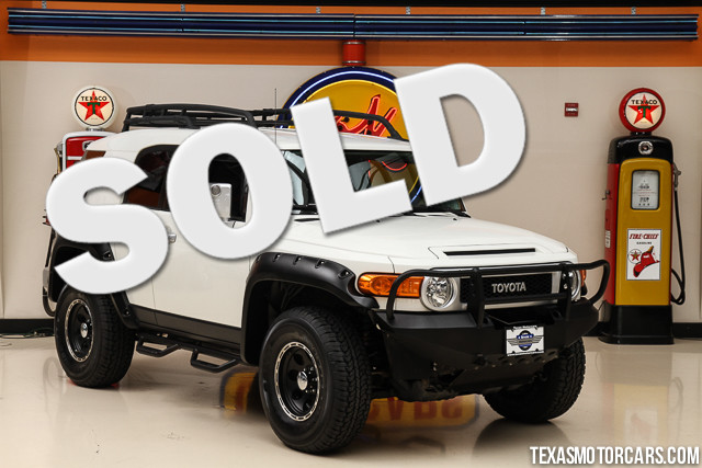 2010 Toyota FJ Cruiser This Carfax 1-Owner Toyota FJ Cruiser is in great shape with only 71 862 m