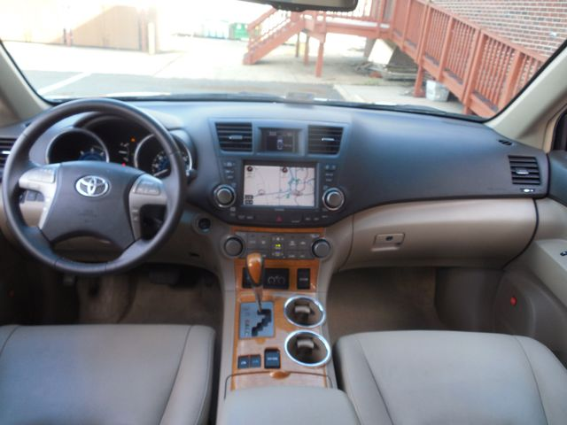 2010 Toyota Highlander Hybrid Limited w/3rd Row Leesburg, Virginia 12