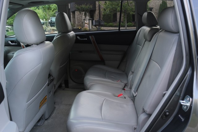 2010 Toyota Highlander Limited Mooresville, North Carolina 17