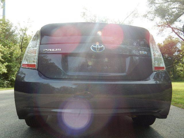 2010 Toyota Prius III Leesburg, Virginia 6