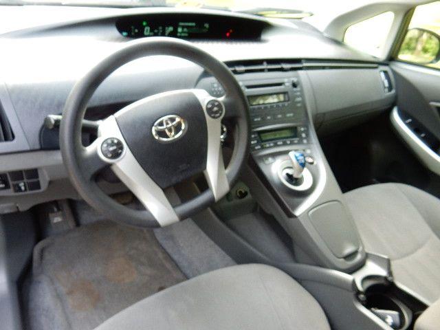 2010 Toyota Prius III Leesburg, Virginia 19