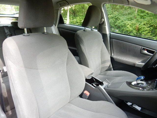 2010 Toyota Prius III Leesburg, Virginia 13