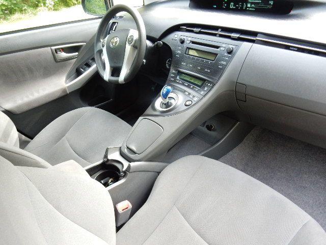 2010 Toyota Prius III Leesburg, Virginia 11