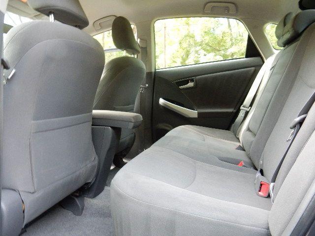 2010 Toyota Prius III Leesburg, Virginia 16