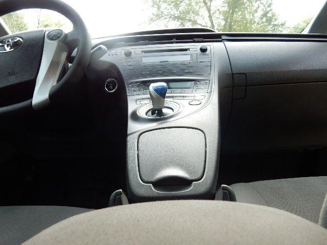 2010 Toyota Prius III Leesburg, Virginia 21