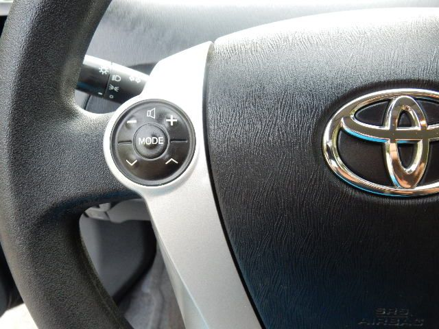 2010 Toyota Prius III Leesburg, Virginia 25