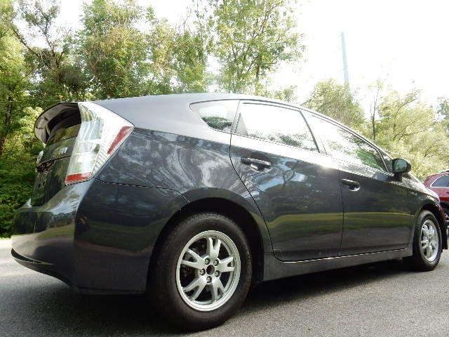 2010 Toyota Prius III Leesburg, Virginia 2