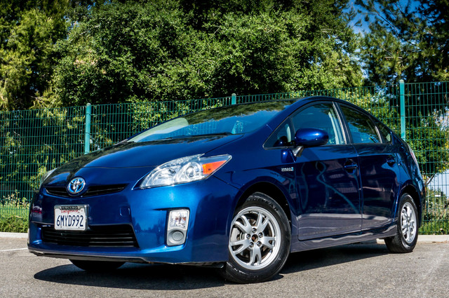 2010 Toyota Prius IV - 31K MILES - NAVI - BACK UP CAMERA - LTHR Reseda, CA 2