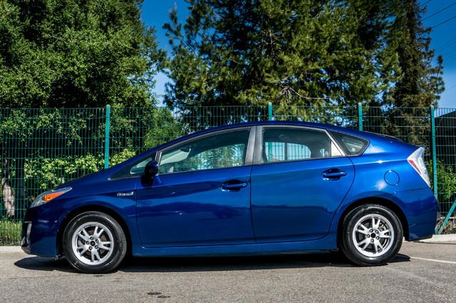 2010 Toyota Prius IV - 31K MILES - NAVI - BACK UP CAMERA - LTHR Reseda, CA 5