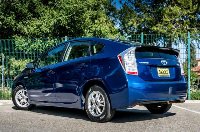 2010 Toyota Prius IV - 31K MILES - NAVI - BACK UP CAMERA - LTHR Reseda, CA 7