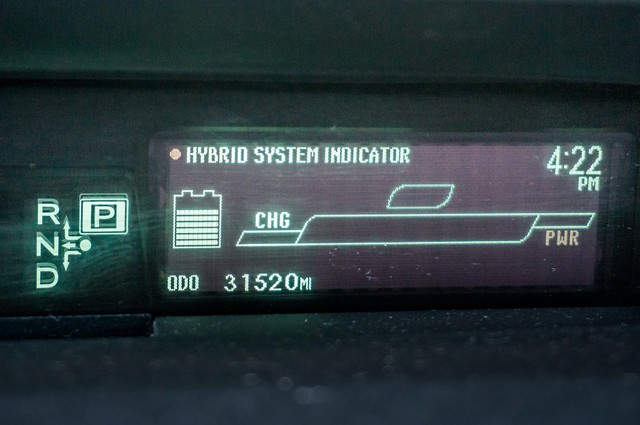2010 Toyota Prius IV - 31K MILES - NAVI - BACK UP CAMERA - LTHR Reseda, CA 15