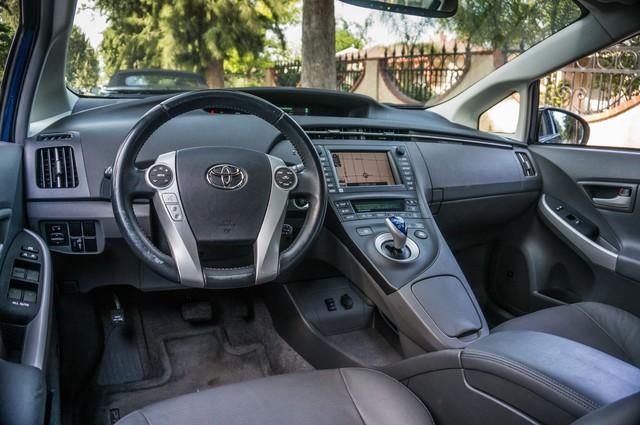 2010 Toyota Prius IV - 31K MILES - NAVI - BACK UP CAMERA - LTHR Reseda, CA 31