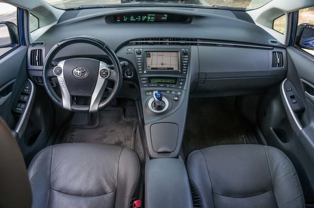 2010 Toyota Prius IV - 31K MILES - NAVI - BACK UP CAMERA - LTHR Reseda, CA 17