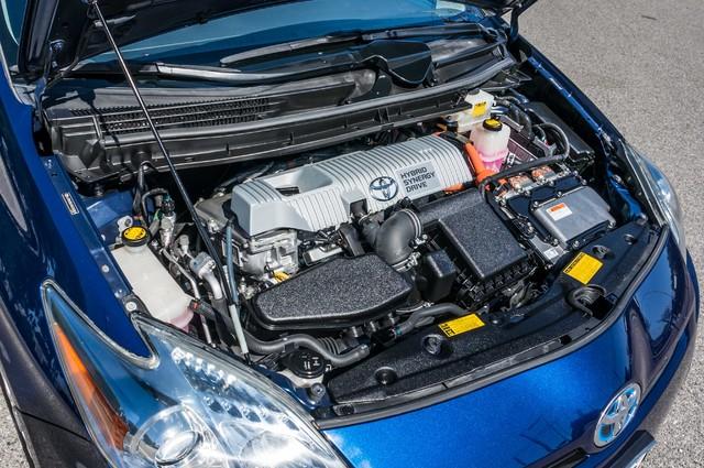 2010 Toyota Prius IV - 31K MILES - NAVI - BACK UP CAMERA - LTHR Reseda, CA 39