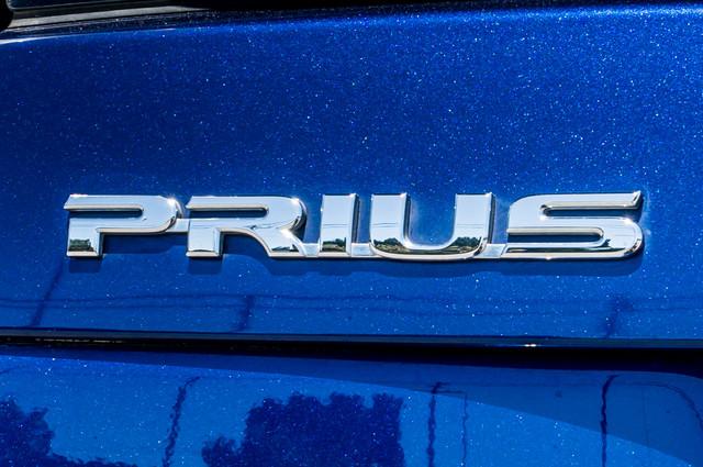 2010 Toyota Prius II - AUTO - 86K MILES - 1-OWNER Reseda, CA 40