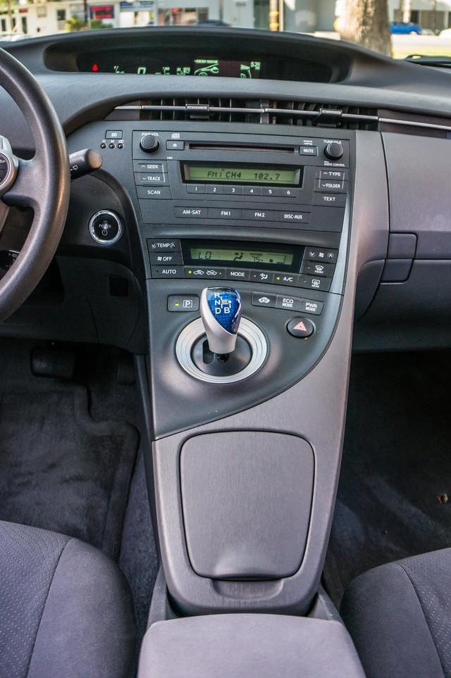 2010 Toyota Prius II - AUTO - 86K MILES - 1-OWNER Reseda, CA 23