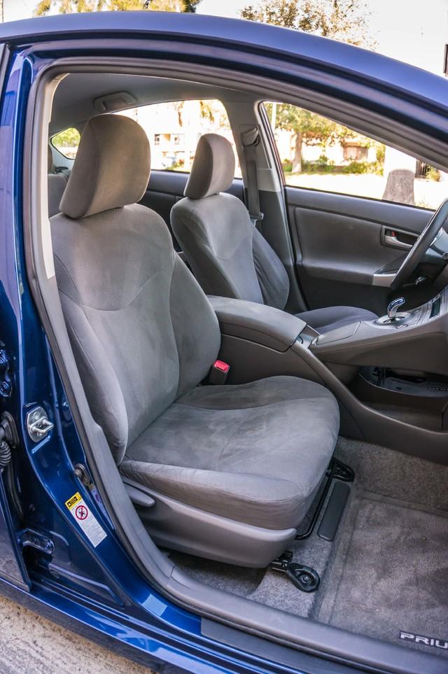 2010 Toyota Prius II - AUTO - 86K MILES - 1-OWNER Reseda, CA 28