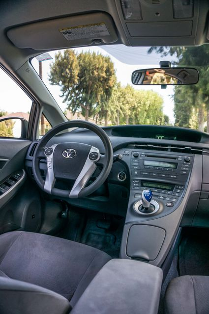 2010 Toyota Prius II - AUTO - CD PLAYER - ALLOY WHLS Reseda, CA 31